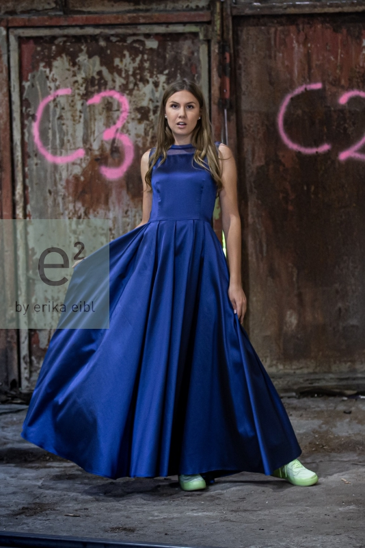 FST_5046 Julie ta blue